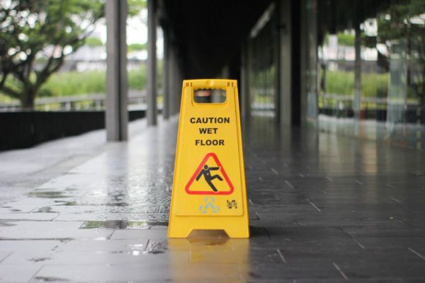 Differences between public liability insurance and professional indemnity insurance